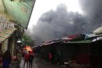 Lửa bùng lên dữ dội ở chợ Phùng Khoang, nhiều cửa hàng bị thiêu rụi
