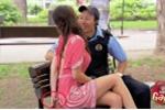 Clip: Nữ 'đạo chích' xinh đẹp quyến rũ cảnh sát để thoát tội