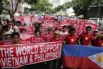 Người Việt khắp thế giới biểu tình phản đối Trung Quốc, trong nước muốn biểu tình phải làm sao?