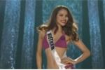 Clip: Phần thi áo tắm nóng bỏng của Phạm Hương trong bán kết Miss Universe 2015