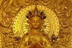 Bỏ hẳn 200kg vàng đúc tượng sau khi thấy Phật quang