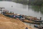 Cát tặc hoành hành trên sông Thái Bình