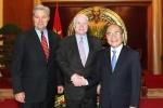 Ông John McCain ủng hộ bỏ cấm bán vũ khí sát thương cho Việt Nam