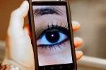 Dùng smart phone: Ai cũng có thể bị theo dõi