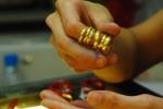 Dân bớt mua vàng, Thống đốc Bình ghi điểm