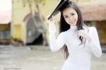 Nữ sinh Cần Thơ khoe nét đẹp tinh khôi với áo dài trắng