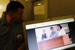 'Kẻ phản bội' nước Mỹ Snowden định cư, làm việc ở Nga