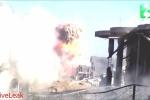 Clip: Tăng Abrams bắn tan xe bom cảm tử IS