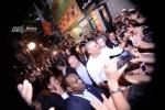 Hình ảnh Tổng thống Mỹ Obama vui vẻ đi ăn đặc sản bún chả Hà Nội