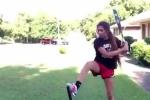 Clip: Cô gái đánh bóng điêu luyện đến khó tin