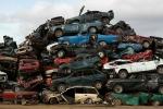 Bãi xe hơi khổng lồ chờ 'hóa kiếp' tại Nga