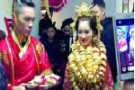 Đám cưới cổ trang ngập vàng và siêu xe gây 'bão' ở Trung Quốc