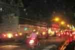 CSGT ngó lơ, xe tải nặng vô tư đi vào giờ cấm