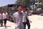 Clip: Hơn 400 học viên cai nghiện trốn trại cướp xe, dọa giết người đi đường