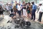 Hà Nội: Cháy cột điện, thiêu rụi một xe máy