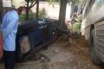 Tai nạn liên hoàn, tài xế kẹt nhiều giờ trong cabin