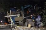 Sập lò than ở Hoà Bình: Trăm người xuyên đêm giải cứu 2 công nhân mắc kẹt