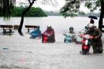 Ảnh: Phố phường Hà Nội chìm trong biển nước