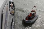Thưởng tiền cho ngư dân tìm được nạn nhân chìm tàu