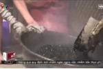 Rợn người 'công nghệ' sản xuất cà phê như... nấu nhựa đường
