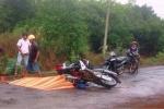 Xe máy đối đầu, 2 người chết thảm