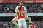 Arsenal giành ngôi á quân, Tottenham thua đội xuống hạng