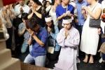 Khoảnh khắc đẫm nước mắt ở tang lễ Wanbi Tuấn Anh