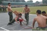 Bộ đội Biên phòng biểu diễn tuyệt kỹ thể lực