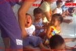Thêm 1 clip cô giáo dạy trẻ bằng dép, thìa inox gây rúng động