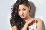 Nữ diễn viên đóng Anandi 'Cô dâu 8 tuổi' treo cổ tự tử vì tình