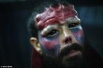 Rùng mình những 'khuôn mặt quỷ' dị dạng trong lễ hội xăm
