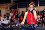 Chuyện đời ít biết của những cô gái theo nghề DJ