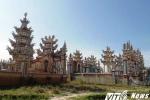 Cận cảnh 'thành phố của người chết' ở Huế lên báo Tây vì quá xa hoa