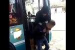 Clip: Cặp đôi chơi khăm tài xế xe buýt 'bá đạo'
