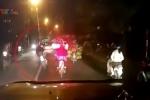 Video: 'Anh hùng xa lộ' đánh võng trên phố và cái kết thảm khốc