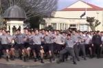 Video: Nam sinh nhảy vũ điệu thổ dân dũng mãnh trong lễ tang thầy giáo