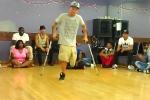 Cậu bé tật nguyền nhảy hip hop cực sung