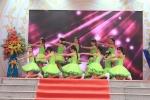 Nữ sinh nhảy sôi động tri ân thầy cô ngày Nhà giáo Việt Nam