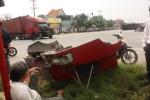 Xe khách tông xe container, hơn 10 người bị thương nặng