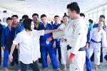Phương Thanh háo hức đi học võ