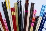 Tin hot 23/7: Ẩn họa ung thư từ đũa màu sắc