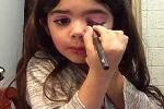 Kinh ngạc bé 5 tuổi dạy trang điểm như chuyên gia