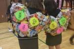 Nữ sinh Hàn Quốc rộ mốt đeo cặp sách đồ ăn