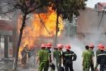 Clip: Toàn cảnh vụ cháy cây xăng kinh hoàng ở Thủ đô