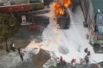 Ảnh ấn tượng: Cháy trạm xăng dầu lên báo nước ngoài