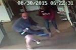 Clip: Giả gái vào tiệm giặt là ăn trộm bị nhân viên bắt quả tang
