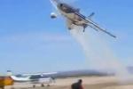 Clip: Thót tim cảnh máy bay lượn sát đầu người đầy nguy hiểm