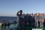 Thiêng liêng nghi lễ chào cờ Tổ quốc ở Hoàng Sa