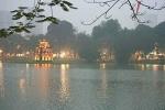Chùm ảnh: Hà Nội mờ ảo chìm trong giá lạnh, sương mù