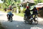 'Quái xế tuổi teen' đầu trần phóng xe máy như bay trên đường phố Huế